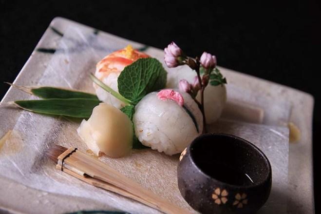 可愛らしい一口サイズの鮨、手毬寿司