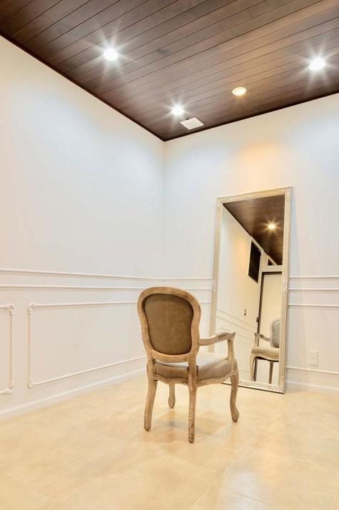 他のお客様を気にすることなく、施術の時間をお過ごしいただける専用の個室は、お子様連れでも利用可能