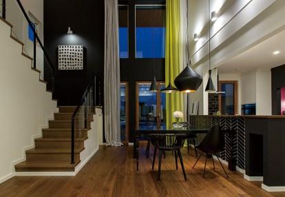 フォーマルダイニングは、家族揃っての食事の時間を高級レストランのような設えで演出 ゲストを招いての食事にも対応できる、フォーマルな雰囲気も兼ね備えたスペース
