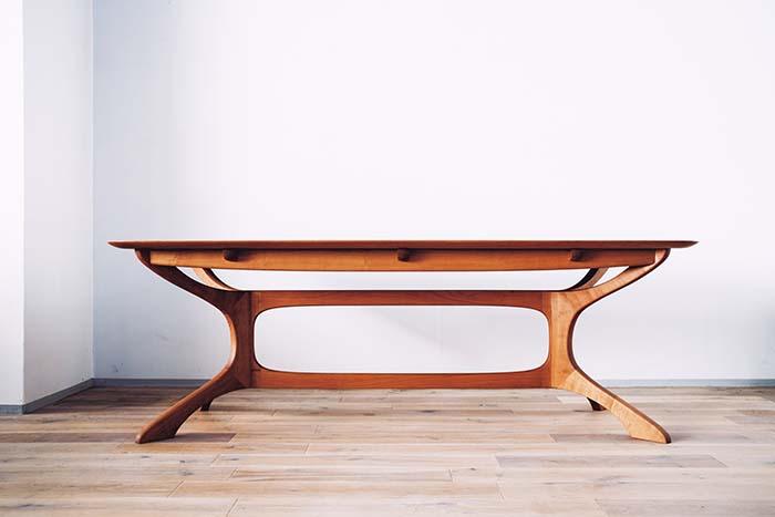 STAR SHIPやBOAT、力強い波のイメージをデザインに取り込んだ「SHIP TABLE」