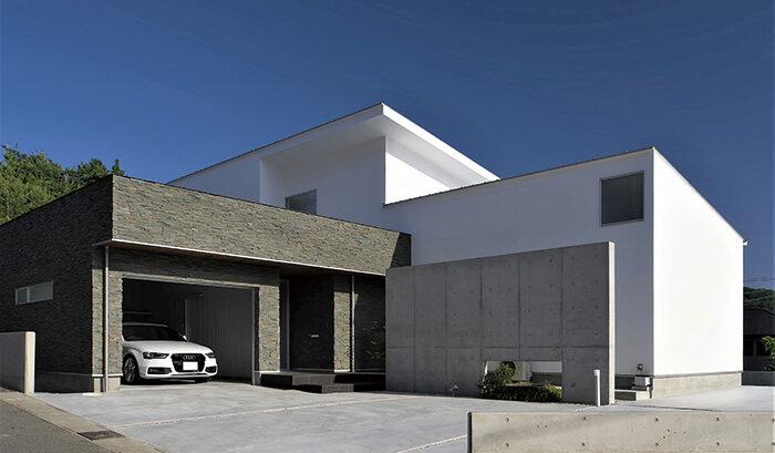 2013年LIXILメンバーズコンテスト「地域優秀賞」を受賞した、インナーガレージ&中庭の家