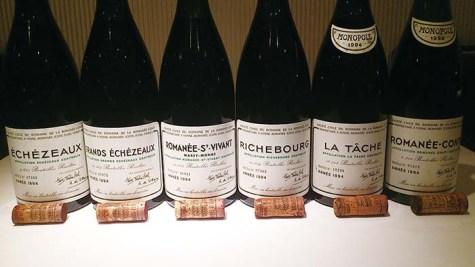 ペアリングコースでさえも熟成ワインしか出さないという徹底ぶり。ワインをアートにまで昇華させた店主の世界観を味わえる