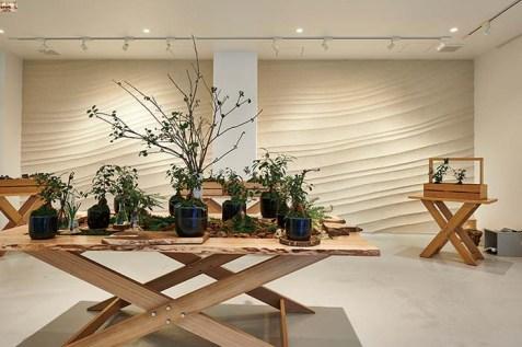 左官アーティスト久住氏によるバスク風をイメー  ジした土壁が施された「グリーンハウス」