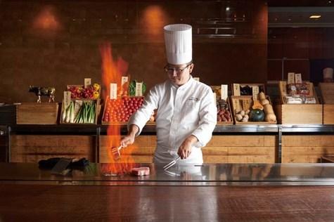 けやき坂。10のレストラン・バーの他ペストリーに至るまで、吟味された季節の食材をふんだんに使い、本物の味わいを届けてくれる。