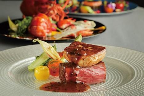 一皿ごとに歓声が上がるような目にも美しい料理の数々が、歓談のひと時をより一層華やぎに満ちたものに盛り上げてくれる ご高齢の方にも食べやすいように配慮も行き届いている