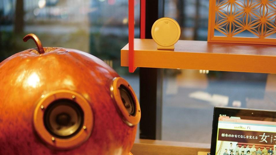 美しく良い響きの音と共に、癒やしと安らぎを演出する同社のオリジナル商品のスピーカー「fucucchi(フクッチ)」。唯一無二の個性的なデザインは、インテリア としても人気がある