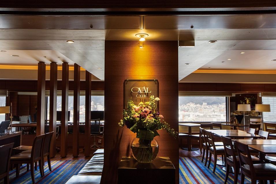 ホテルの中のもう 1 つのホテルと呼ばれる、エグゼクティブフロア専用のクラブラウンジ。飲食サービスをはじめ、専属コンシェルジュによる数々のおもてなし により、ワンランク上のホテルスティを叶える