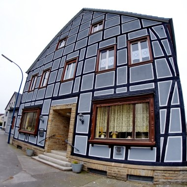 09-das-graue-haus