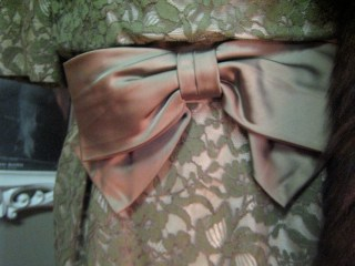 bow belt on 50s dress