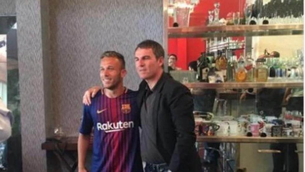 Novidades importantes da negociação de Arthur no Barcelona