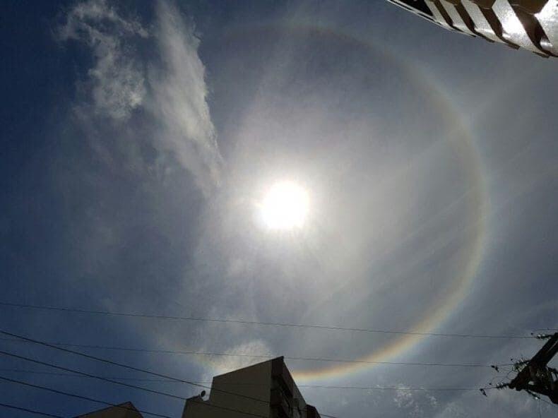 Fenômeno halo solar chama atenção de banhistas em Matinhos 1