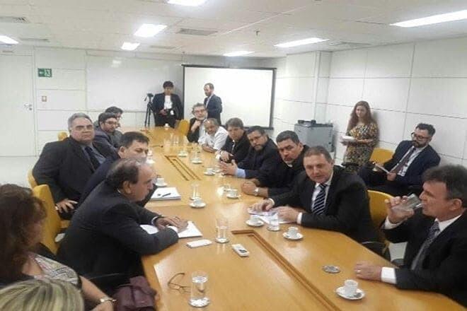 1ª reunião na SEP com a presença dos TPA?s para discussão da poligonal foi informal 1