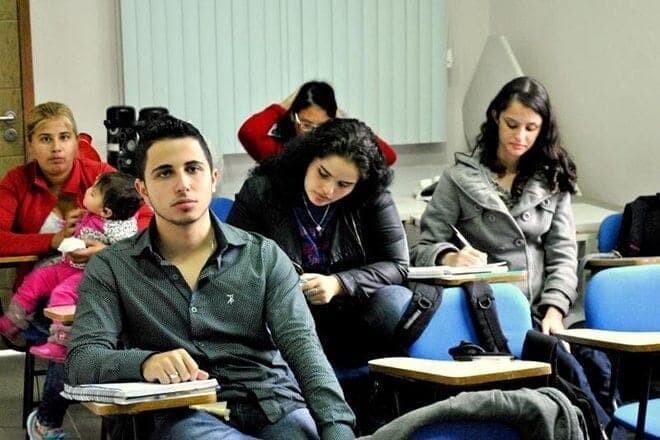 Jovens fazem capacitação gratuita ofertada pela Prefeitura e CIEE 1