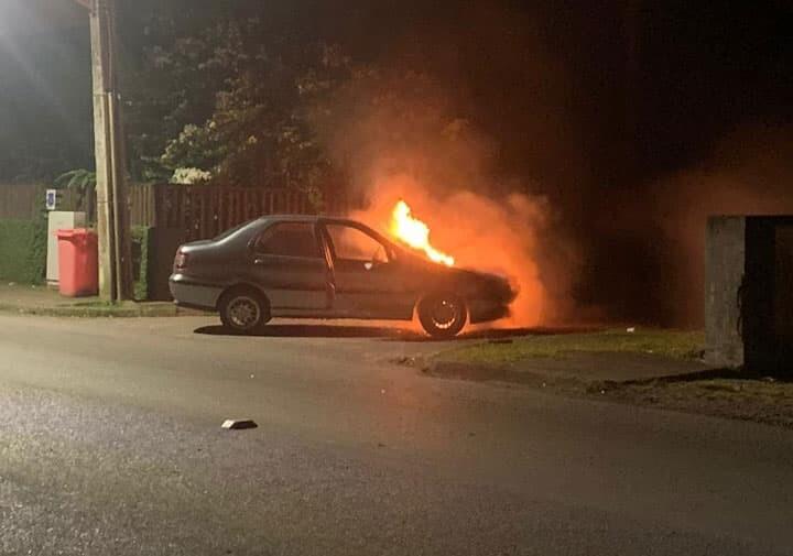 Policial Militar de folga retira condutor de veículos em chamas em Antonina