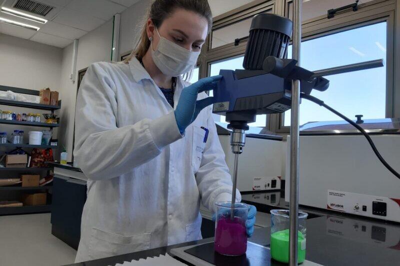Estado apoia criação de tinta que inativa o coronavírus 1
