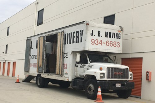 moving services Los Angeles vehicle