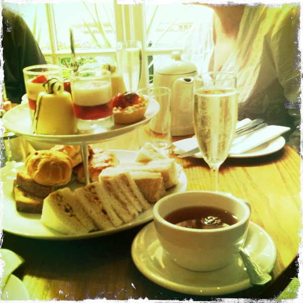 Day Zero Project: 44. Have afternoon tea with my Mum. TICK