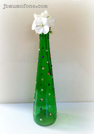Crafty Crafty: Pretty Upcycled Glass Bottle Vase