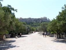 Camino entre Agora antigua y Acrópolis