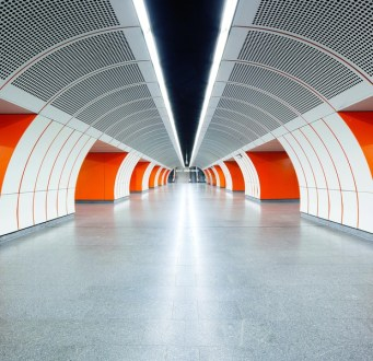 Un_viaje_a_traves_de_las_estaciones_de_metro_mas_bonitas_del_mundo_919379893_620x