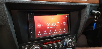 BMW 3 Series - Sony XAV-AX200 Headunit Install