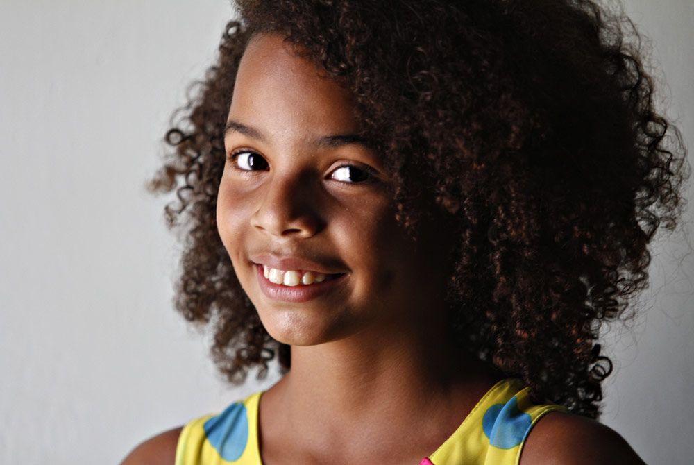 Resultado de imagem para menina de 12 anos negra