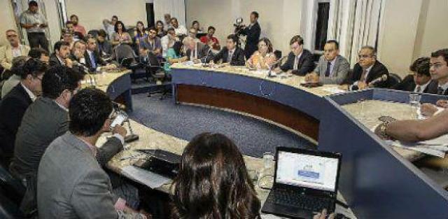 Terceira reunião da Comissão do PAC ouviu secretários executivos e dirigentes de pastas e empresas do Estado / Jarbas Araújo/Alepe