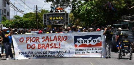 Categoria realizou manifestação no Recife nesta quinta-feira (20) / Foto: Reprodução/Facebook