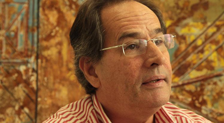Carlos Mariz estima que para construir um parque gerador do tamanho da Eletrobras deveriam ser gastos cerca de R$ 370 bilhões  / Foto: Heudes Régis/JC Imagem
