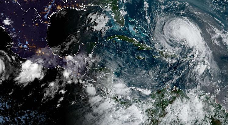 Na semana passada, o furacão Katia atingiu a costa do México no Atlântico, e posteriormente se dissipou no centro do país sem causar maiores danos / Foto: HO / NOAA/RAMMB / AFP