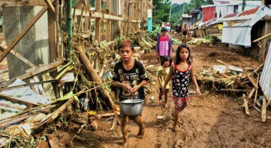 Cerca de 87.700 pessoas tiveram que deixar suas casas na região / Foto: AFP