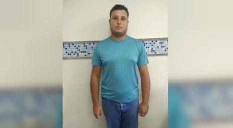 O delegado pede a divulgação das imagens do pedófilo para que, caso hajam outras vítimas, possam reconhecer o rapaz e denunciar à polícia / Foto: Divulgação/Polícia Civil