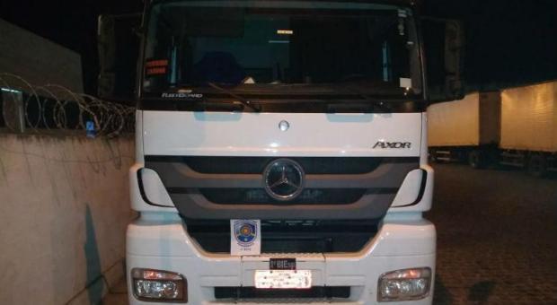 Image result for PM recupera caminhão carregado de carne após ser roubado em São Caetano