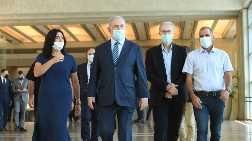 Prime Minister Netanyahu tours Ben-Gurion International Airport with Transportation Minister Miri Regev.
