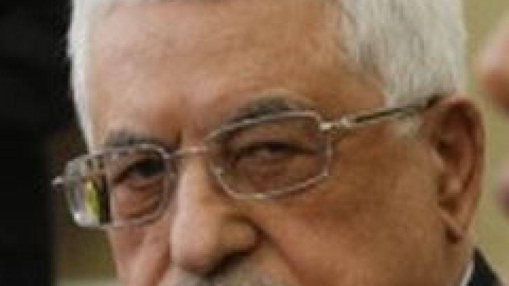 איך ולמה שומרת ישראל על שלטונו של מחמוד עבאס?