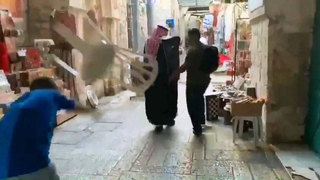 """מדוע ביקור הבלוגר הסעודי """"הטריף"""" את הפלסטינים?"""