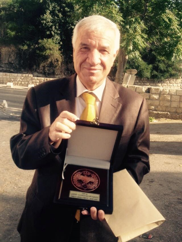 מנהל הווקף, עזאם אל-חטיב מקבל עיטור כבוד ירדני, יוני 2015, מאתר הפייסבוק של הווקף הירושלמי.