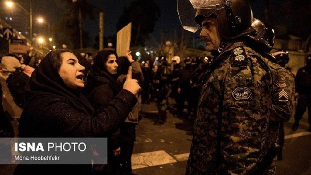 """""""הציבור באיראן איבד את הפחד לצאת לרחובות – המשטר בלחץ"""""""