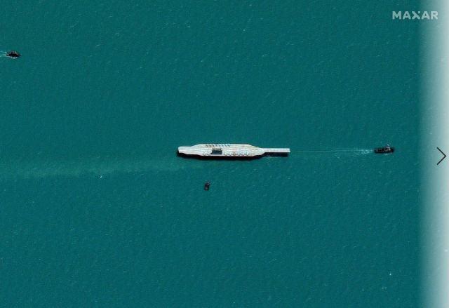 תמונות הלווין של נושאת המטוסים הדמה של איראן // חברת מקסר