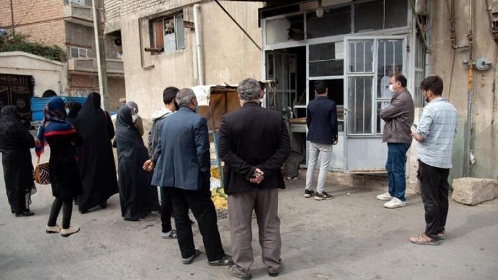 איראן: משבר לחם ותורים ארוכים במאפיות