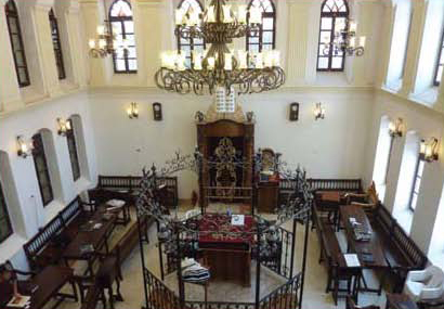 The Ohel Yitzchak Synagogue after its renovation and reconstruction (Nadav Shragai). The synagogue overlooks the Temple Mount from the west. The work of renovating has no connection to the mount, which is tens of meters distant from it.