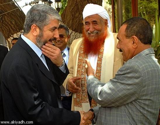 Al-Qaeda's Sheikh Abd al-Majid al-Zindani (center) greets Hamas' Khaled Mashal (left).