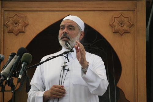 Hamas leader Ismail Haniyeh preaching in a Gaza mosque, Oct 9, 2015.