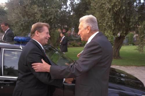 Václav Havel with Ezer Weizman
