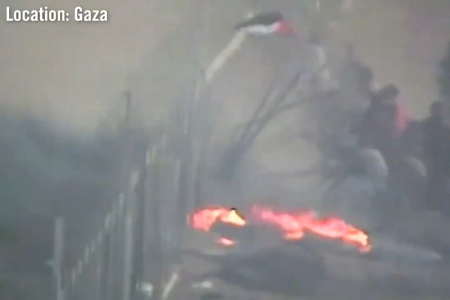 Storming the Israeli fence in Gaza
