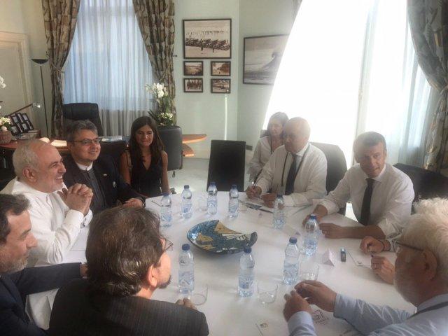 Mohammed Zarif meets with  Emmanuel Macron