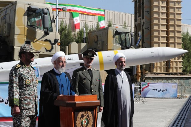 Iran's leadership unveils the Bavar-373 missile defense system