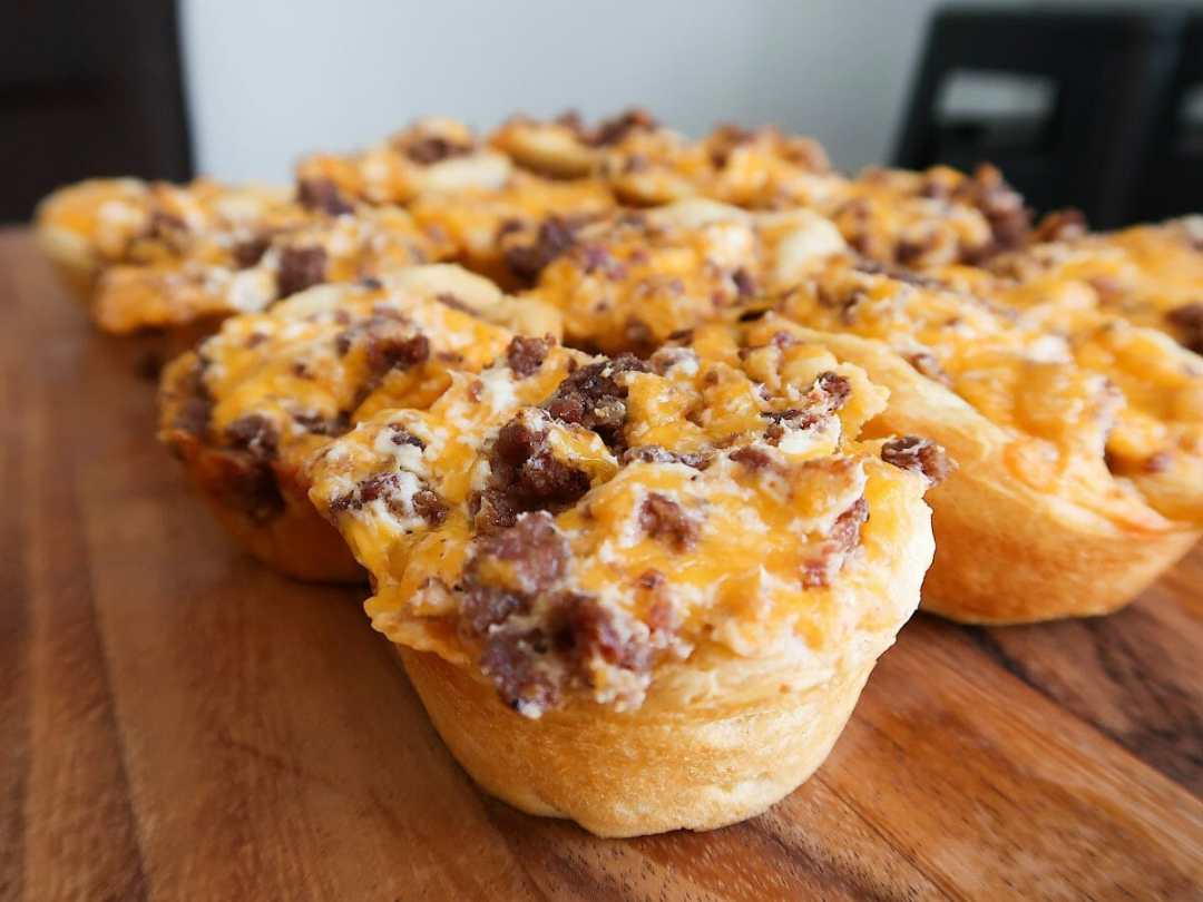 Sausage, Cheddar, and Cream Cheese Biscuit Bites