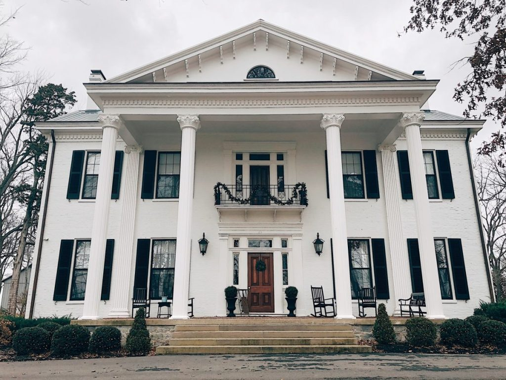 Ashford Acres Inn: Historic, Southern Bed and Breakfast