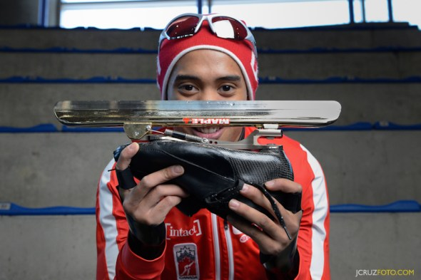 Gilmore Junio Filipino Canadian Speedskate